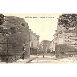 ABAO 13 - Bouches-du-Rhône [13] Arles - Entrée de la Ville.