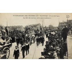 ABAO 62 - Pas-de-Calais [62] Calais - Funérailles des victimes du Pluviôse du 26 mai 1910. Les chars des couronnes offertes p...