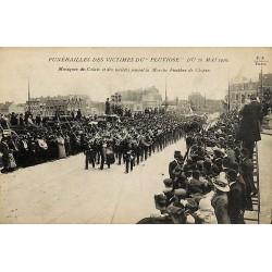 ABAO 62 - Pas-de-Calais [62] Calais - Funérailles des victimes du Pluviôse du 26 mai 1910. Musiques de Calais et des sociétés...