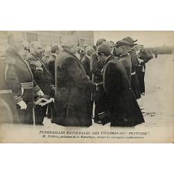 ABAO 62 - Pas-de-Calais [62] Calais - Funérailles des victimes du Pluviôse. M. Fallières, président de la République, devant ...