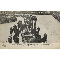 ABAO 62 - Pas-de-Calais [62] Calais - Funérailles des victimes du Pluviôse. Défilé du Cortège place d'Armes.