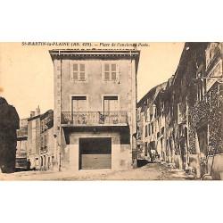 ABAO 42 - Loire [42] Saint-Martin-la-Plaine - Place de l'ancienne Poste.
