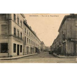 ABAO 38 - Isère [38] Bourgoin - Rue de la république.
