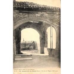 ABAO 38 - Isère [38] Beauvoir-de-Marc - Porche de l'Eglise XIIIe siècle.