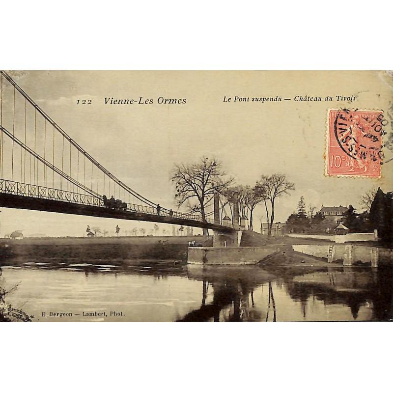 ABAO 86 - Vienne [86] Les Ormes - Le pont suspendu. Château du Tivoli.
