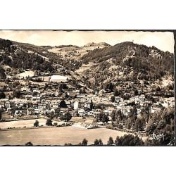 ABAO 15 - Cantal [15] Vic-sur-Cere - Vue générale. - Carte photo.
