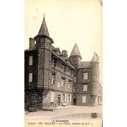 ABAO 15 - Cantal [15] Salers - La Place, maison du XVe s.