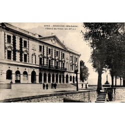 43 - Haute Loire [43] Brioude - L'Hôtel de Ville.