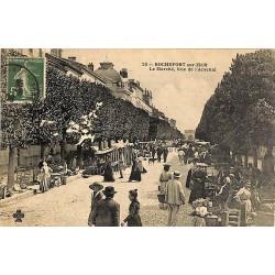 ABAO 17 - Charente-Maritime [17] Rochefort-sur-Mer - Le Marché, Rue de l'Arsenal.