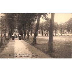 ABAO Flandre orientale Gand - Petit Béguinage. Une allée.