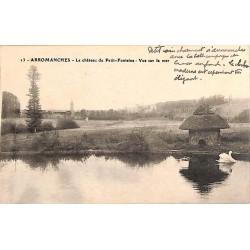 ABAO 14 - Calvados [14] Arromanches-les-Bains - Le Château du Petit-Fontaine. Vue sur la mer.