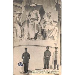 ABAO Liège Liège - Exposition internationale de 1905. Entrée des Halls. Groupe de métallurgistes.