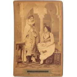 ABAO Photographies Vollenweider (Arnold) - Portrait d'Alger. Tirage albuminé sur carte du studio.