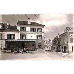 ABAO 94 - Val-de-Marne [94] Villeneuve-le-Roi - Place de la Grande Fontaine.