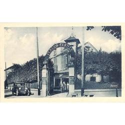 ABAO 77 - Seine-et-Marne [77] Barbizon - Entrée de l'Hôtel Bellevue. R. des Charmettes.
