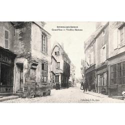 ABAO 89 - Yonne [89] Noyers-sur-Serein - Grand'Rue, vieilles maisons.