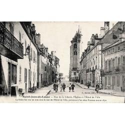 21 - Côte-d'Or [21] Saint-Jean-de-Losne - Rue de la Liberté, l'Eglise et l'Hôtel de Ville.