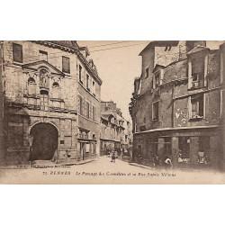 ABAO 35 - Ille-et-Vilaine [35] Rennes - Le Passage des Carmélites et la Rue Sainte Mélaine.