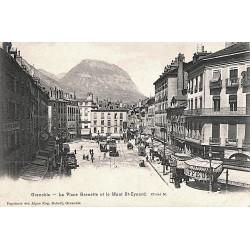 38 - Isère [38] Grenoble - La Place Grenette et le Mont St-Eynard.