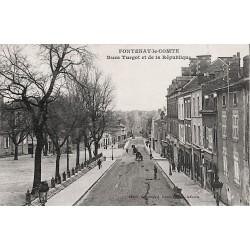 ABAO 85 - Vendée [85] Fontenay-le-Comte - Rues Turgot et de la République.