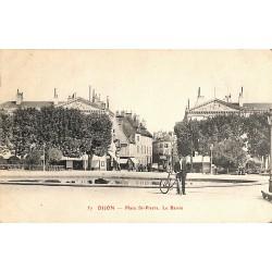 21 - Côte-d'Or [21] Dijon - Place St Pierre. Le Bassin.