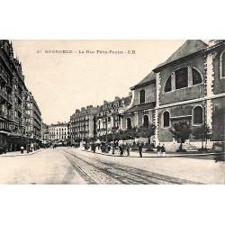 38 - Isère [38] Grenoble - La Rue Félix Poulat.