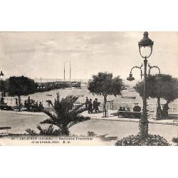 ABAO 33 - Gironde [33] Arcachon - Boulevard Promenade et la Grande Jetée.