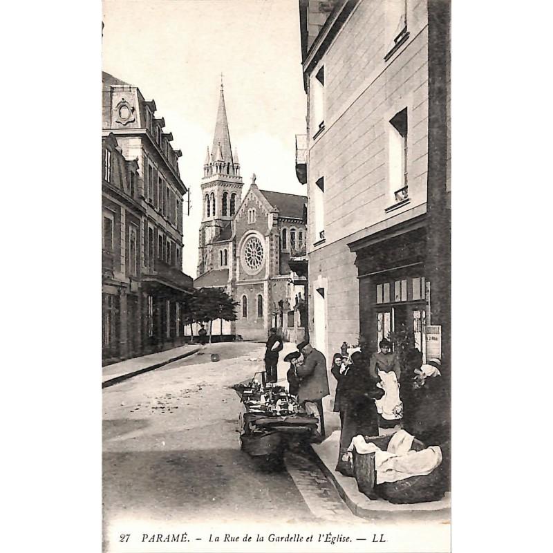ABAO 35 - Ille-et-Vilaine [35] Saint-Malo - Paramé. La Rue de la Gardelle et l'Eglise.