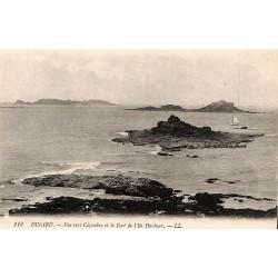 ABAO 35 - Ille-et-Vilaine [35] Dinard - Vue vers Cézembre et le Fort de l'Ile Harbour.