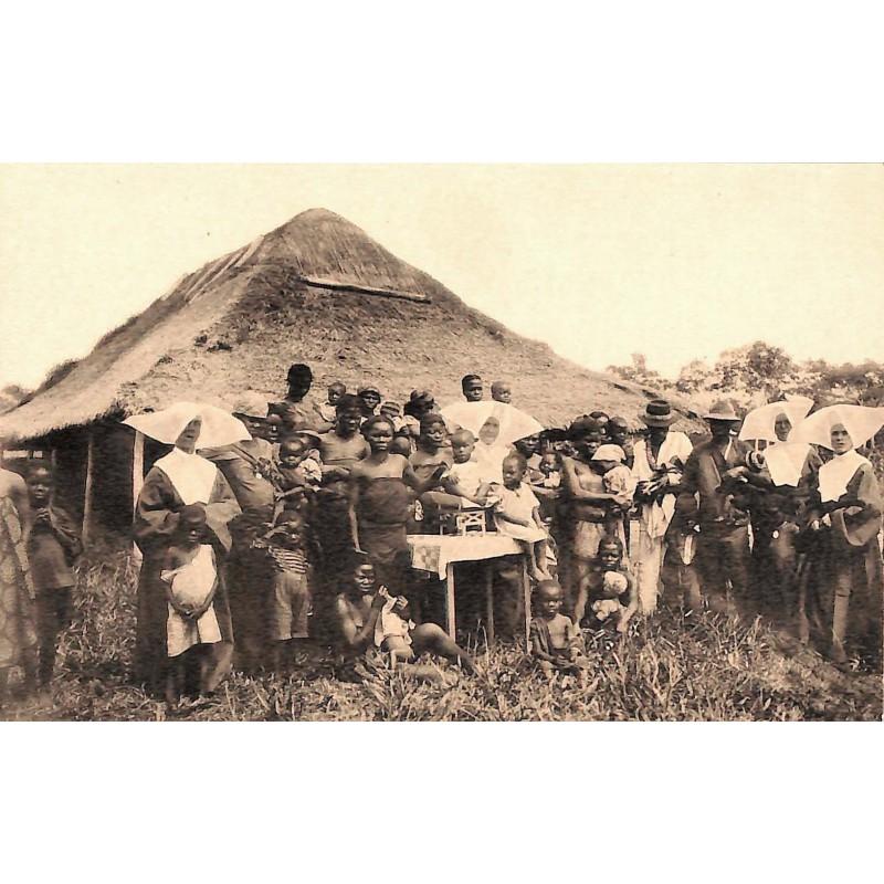 Congo Nsona-Mbata - Mission des filles de la Charité. La Consultation.