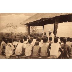 ABAO Congo Mission des T.R. Pères Récollets - Classe en plein Air.