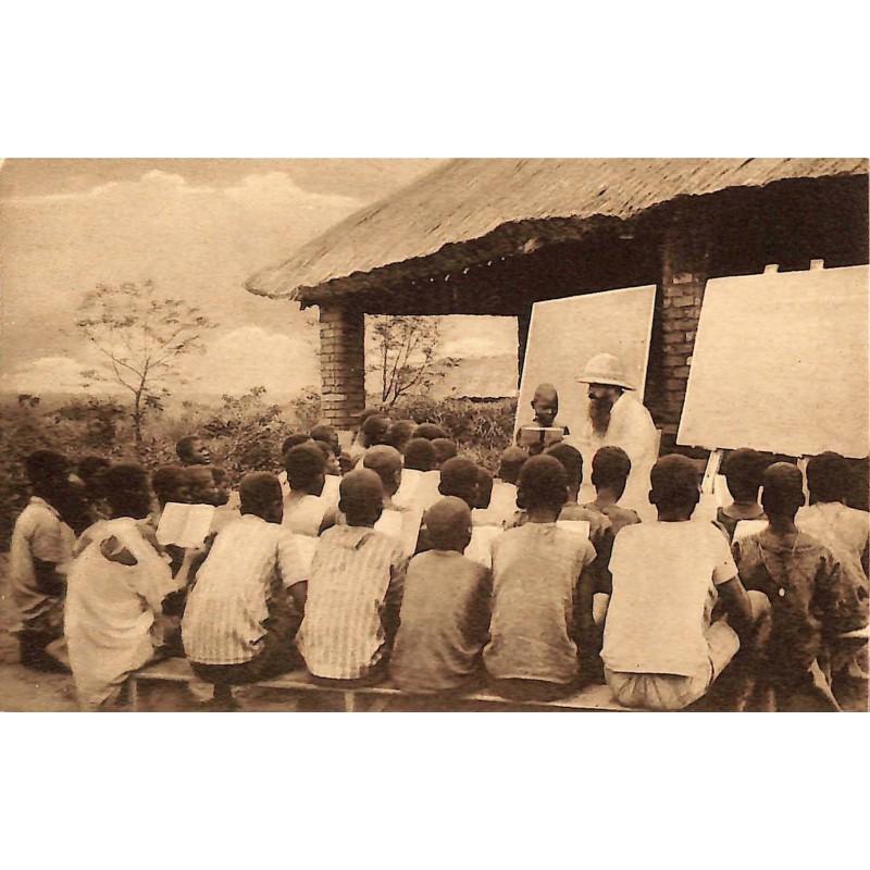 Congo Mission des T.R. Pères Récollets - Classe en plein Air.