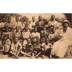 Congo Mission des T.R. Pères Récollets - Groupe d'Ecoliers.