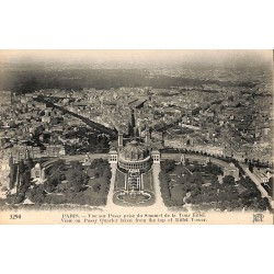 75 - Paris [75] Paris - Vue sur Passy prise du sommet de la Tour Eiffel.