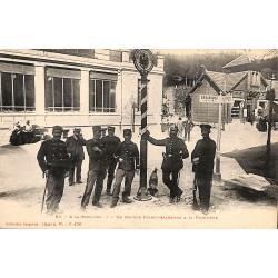 88 - Vosges [88] Le Valtin - La Schlucht. Un groupe franco-allemand à la frontière.