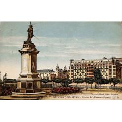 Espagne San Sebastian - Estatua del Almirante Oquendo.