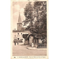 ABAO 88 - Vosges [88] Bains-les-Bains - Rue de l'Hôtel de Ville et l'Eglise.