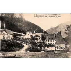 38 - Isère [38] Saint-Pierre-de-Chartreuse - Couvent de la Grande-Chartreuse. Entrée principale et la Chapelle des Etrangers.