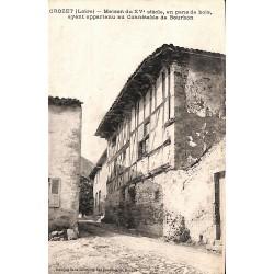 42 - Loire [42] Le Crozet - Maison du XVe siècle en pans de bois, ayant appartenu au Connétable de Bourbon.