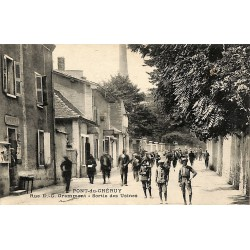 38 - Isère [38] Pont-de-Chéruy - Rue E.-G. Grammont - Sortie des Usines.