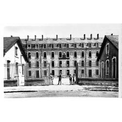72 - Sarthe [72] La Flèche - Annexe du Prytanée. Caserne de la Tour d'Auvergne.