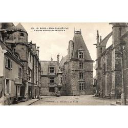 72 - Sarthe [72] Le Mans - Place Saint-Michel. Vieilles maisons renaissance.