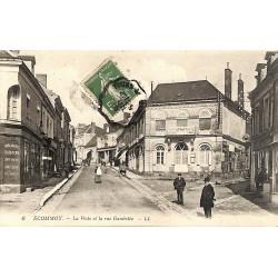 72 - Sarthe [72] Ecommoy - La Poste et la rue Gambetta.