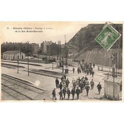 ABAO 69 - Rhône [69] Givors - Passage à niveau de la Rue Roche-Marcaire.