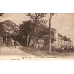 17 - Charente-Maritime [17] Hiers-Brouage - Brouage. Entrée de la Ville sur route de Marennes.