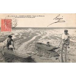 17 - Charente-Maritime [17] Fouras-les-Bains - Types de Pêcheurs dits Boucholeurs ou Pousse pied.
