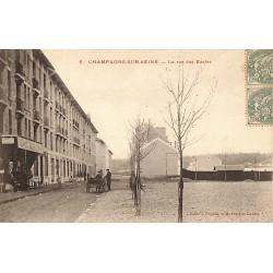 ABAO 77 - Seine-et-Marne [77] Champagne-sur-Seine - La rue des Ecoles.