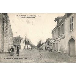 ABAO 77 - Seine-et-Marne [77] Beaumont-du-Gatinais - Rue de l'Hôtel-de-Ville.