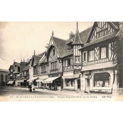 ABAO 14 - Calvados [14] Deauville - La Plage Fleurie. Grands Magasins de la rue du Casino.