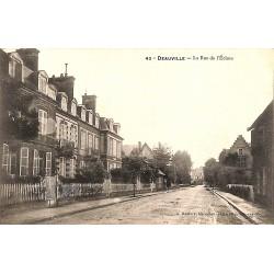ABAO 14 - Calvados [14] Deauville - La Rue de l'Ecluse.